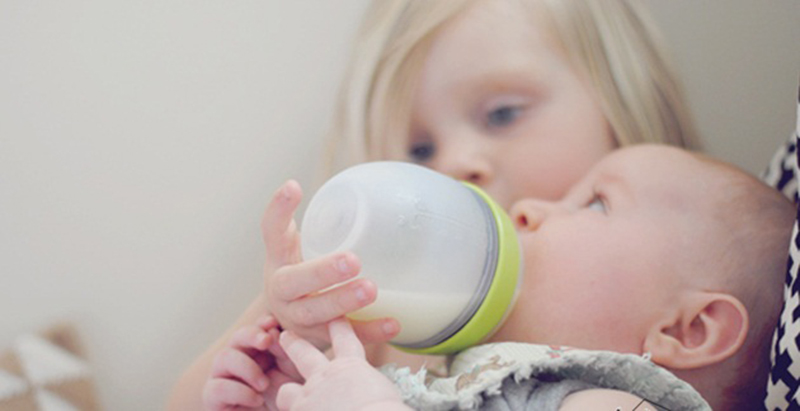 Bình sữa cho bé yêu
